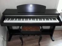 Yamaha Clavinova Digital Piano CLP-920 For sale. Excellent condition