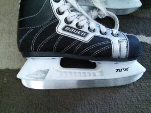 Bauer Supreme 100 Hockey Skates Youth Size 12 - Excellent Cond