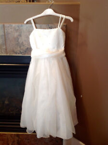 Size 6 girls flower girl dress