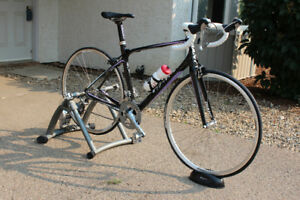 Giant Avail road bike w/ trainer stand