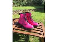 Dr Martens 1460W Hot Pink Patent Leather Boots (size UK6)
