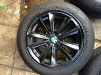 Original BMW ALLOY IN GLOSS BLACK 17' almost new