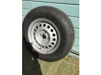 Caravan wheel and tyre