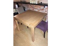 Square extending table