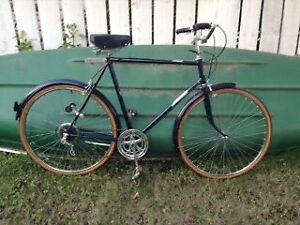 Men's vintage cruiser bicycle