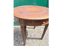 Coffe card circular table with leather top