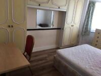 Two double rooms to let in colindale