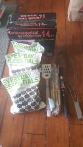 Moving sale: BBQ kettle & tools