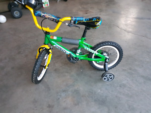 14 inch boys bike with training wheels