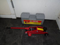 HYDRAULIC JACK FOR SELL (BRAND NEW)
