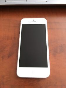 iPhone 5 16gb with Bell/Virgin
