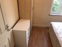---Single room available now in Willesden--- £110pw