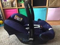 Maxi-Cosi Pebble River blue car seat