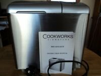COOKWORKS SIGNATURE BREADMAKER - EXCELLENT CONDITION - WITH MANUAL