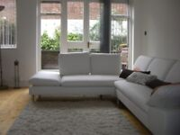 Central Camden Avail 1/3/18, 5 mins Tube, 3 double beds, large lounge, balcony, kitchen, garden