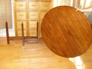 Extendable Solid Wood Round Dining Table with one Leaf