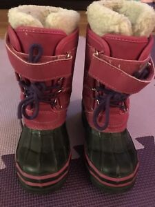 Carters size 9 Boots