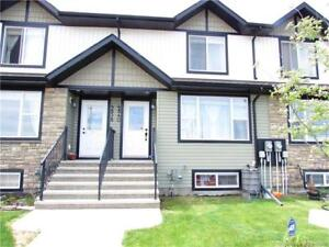 Outstanding Townhome in Sylvan Lake!