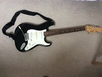 SQUIER AFFINITY STRATOCASTER WITH FENDER FRONTMAN 15G AMP - BLACK