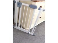 Tippitoes narrow fit stairgate