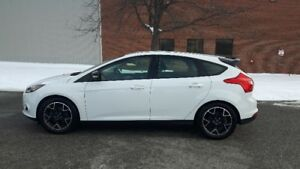 2013 Ford Focus SE Hatchback EXCELLENT CONDITION!!