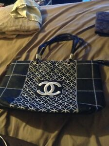 Leather Chanel tote purse