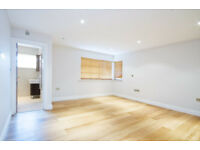 LUXURY THREE BEDROOM TWO BATHROOM APARTMENT TO RENT IN HENDON