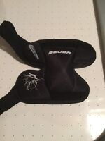 Bauer youth goalie knee pads