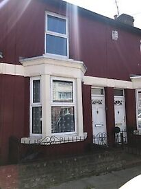 Two Bedroom house, all mod cons, local amenities in Litherland