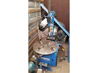 I am selling Garage equipment (tyre machine and wheel balancer)