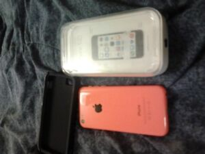 Apple Iphone 5C, still has the box-mint condion(colure: Pink)