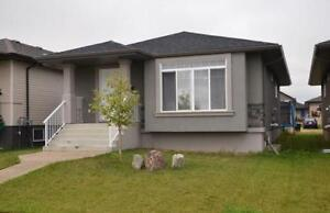 Perfect Starter Home in Camrose!!