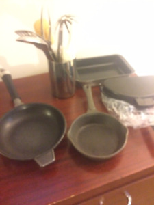 Moving -Various Cookware Like new
