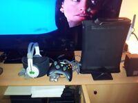 XBOX 360 120GB BLACK + 1 GAME + CONTROLLER + STAND + HEADSET + WIFI + USB HUB