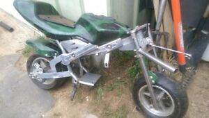 pocket bike for parts and plastic. NO ENGINE