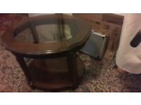 Lamp table, Walnut veneered ? made in Italy, good, clean, used condition.