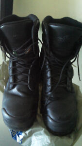 MENS WORK BOOTS SIZE US 9