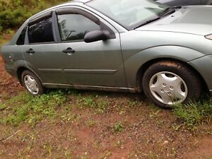 2003 Ford Focus: runs and drives, $400 OBO
