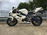 Triumph Daytona 675 SE (SPECIAL EDITION) - 2009 - Pearl White with Blue Frame