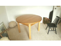 Solid Wood Round Extendable Oak Dining Table