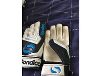 Kids football boots shin pads & gloves