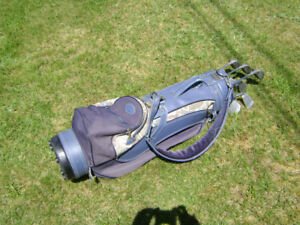 ***$325 OBO.              WOMEN'S POWERBILT GOLF CLUBS (R.H.)***