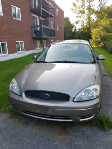 2005 Ford Taurus 800$ as is. 147,931 km