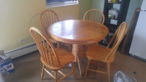 Round/oval  wooden table