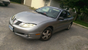 Pontiac Sunfire Coupe (2 door) 1200 OBO Purrs like a kittin !