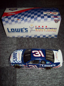 1/24 NASCAR diecast - Skinner and Cope