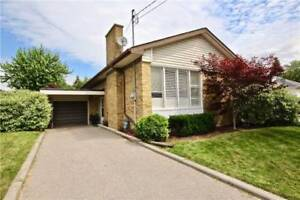 Dazzling House In Superior Location Of York At Sherwood Ave