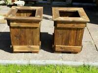 2x wooden planters