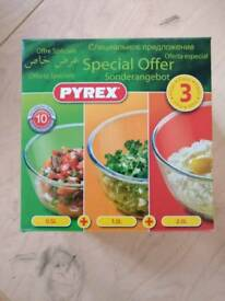 3 pack of pyrex bowls
