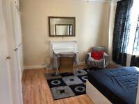 Studio flat in Grove End Road, St Johns Wood, NW8